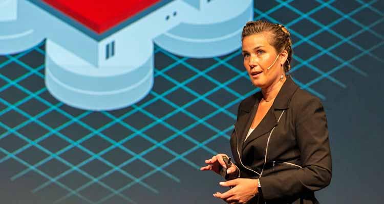 Stefanie Chiras